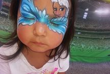Frozen Themed Face Painting Design Inspiration / Frozen is the biggest craze and the design ideas have been over the top. Browse this board for Frozen themed face painting designs that are guaranteed to get you excited to paint at your next event.