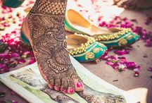 Feet Mehendi Ideas / The mehendi designs for legs are always used to brighten up the feet! Applying these mehendi models is an art and having such designs on feet is an enjoyable experience!