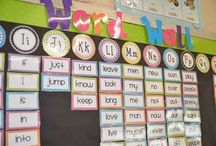 Easy Word Wall / Use a class word wall to reinforce high frequency words, or sight words.  Make it useful and meaningful for your students! Word walls in the classroom are so powerful.