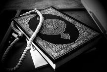 Al-Qur'an / Al-Qur'an (ejaan KBBI: Alquran, Arab: القرآن) adalah kitab suci agama Islam. Umat Islam percaya bahwa Al-Qur'an merupakan puncak dan penutup wahyu Allah yang diperuntukkan bagi manusia, dan bagian dari rukun iman, yang disampaikan kepada Nabi Muhammad S.A.W, melalui perantaraan Malaikat Jibril, dan sebagai wahyu pertama yang diterima oleh Nabi Muhammad adalah sebagaimana yang terdapat dalam surat Al-'Alaq ayat 1-5.