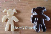 Cookie Cutters / Cookie Cutters