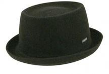 """Idées chapeaux pour les grands / Même si Chapeau-Enfant.com s'occupe de """"chapeauter"""" essentiellement vos enfants, on aime vous faire découvrir les couvre-chefs tendance pour vous, les parents... Juste pour être en parfaite harmonie avec vos protégés."""