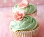 Cupcakes / by Sandi Blackburn
