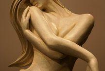顔、体、彫刻バランス