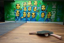 IO ● Showroom / Inside Office heeft in Alblasserdam een showroom, waar de focus vooral ligt op sfeer, beleving en bewegen met een creatieve visie op het nieuwe werken: @ home @ the office. Nieuwsgierig geworden? Kom gerust langs!