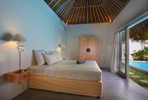 Villa June / Cette maison exotique est composée de 4 chambres climatisées avec chacune une salle de bain, de grands espaces communs et de tout l'équipement nécessaire pour votre bien-être durant toute la durée de votre location. Profitez de vos vacances à Bali, détendez-vous et appréciez la gentillesse du personnel balinais qui vous accompagnera tout au long votre séjour.