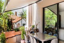 VISTAS AL EXTERIOR / Espectaculares terrazas, balcones, piscinas, jardines y patios.