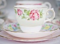 Vintage China & Afternoon Tea / Delicate Vintage China and Delightful Afternoon Tea