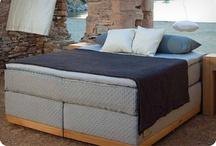 Welterusten / Zacht beddengoed, een rustige kamer en een fijn bed zorgen voor een welverdiende nachtrust. Slaap lekker!