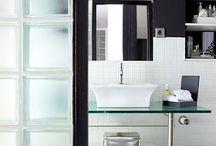 Vidrieras / Muro de vidrio para separar la ducha del resto del baño.
