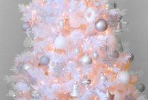 white Christmas tree's