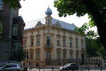 Kraków - Pałac Judkiewicza / Pałacyk Juliusza Jutkiewicza w Krakowie zbudowano w latach 1890-1892, według projektu Wandalina Beringera.  Od roku 1954 znajduje się w nim Instytut Ekspertyz Sądowych.