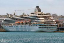 Celestyal Cruises, Companie du Ponant, CDF Croisiers de France & Crystal Cruises στον Πειραιά.