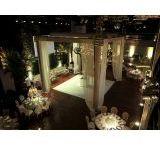 Tapete Pista de Dança / O tapete pista de dança é um produto da Iris Cobertura. Trabalhando há mais de 10 anos no mercado de decorações e locações de coberturas, a empresa é qualificada e experiente neste ramo.