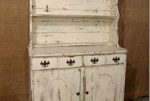Antiques / antieke meubels