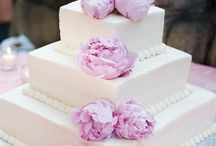 Wedding cake ideas / by Courtney Scruggs