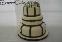 cake for wedding in black and white style