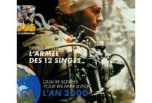 *Canal+, le magazine des abonnés / L'un de ces magazines vous intéresse ? Pour en savoir plus, cliquez dessus. Deux fois.