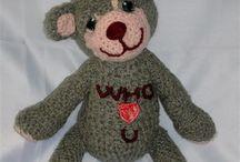 crochet stuff / amigurumis and crocheted handbags