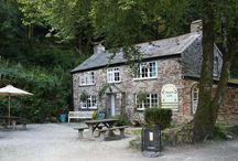 Great Places to Eat in Cornwall and Devon / Places I rate to eat cake and / or good vegetarian food.