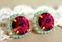 Jewels & Flair / by Elizabeth Hudson
