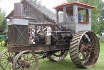 Antique Tractors / Images of old vintage or antique tractors