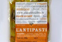 Olives marinées par nos soins / Notre gamme d'olives marinées par nos soins disponible en 48H chez vous grâce à notre boutique en ligne www.alapetiteolive.fr