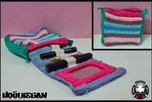 Hoodiegan crochet beauty bags