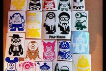 """tablero """"MINIONS"""" / ¡La fiebre de Los Minions invade V de Vinilos!  Te traemos la mayor colección de vinilos de Minions de la red, caracterizados como tus personajes favoritos.  Disponibles en varios colores. ¡Colecciónalos!"""