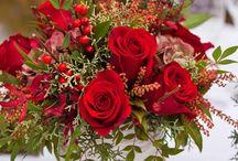 ''με κόκκινα τριαντάφυλλα τους δρόμους θα στολίσω'' μανούλα μου όμορφη μου λείπεις