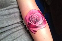Tattoo roze roos