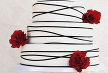 Black, White & Red Wedding / #dramatic #simple #stunning #effective #opulent #decadent #wedding http://www.fabuloustogether.co.uk/ #fabuloustogether #fabulous2gether