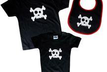 Colección Baby Skull de Arethaju / Colección Baby Skull para los más pequeños de la casa.  Baberos, bodys y camisetas con calavera baby de vinilo testil, estampada.