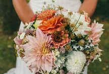 A u t u m n / Autumnal hues of faded pinks, burnt orange, yellow ochre, merlot reds accented with textured, whimsical foliage.