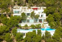 Amarante Luxury Villas Ibiza / Amarante SL offers a selection of villas and apartments of prestige for an exclusive stay. Each property is visited and selected according to strict criteria to ensure the best of the market. We combine luxury and originality of our properties with a range of personalized services that meet the high expectations. Amarante is a quality label which guarantees discretion and satisfaction to customers who require upscale service.