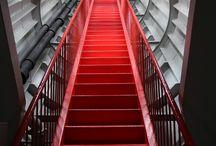 Rojo - Red / Un tablero en el que predomina el color rojo, fotos, ideas y paisajes, personas, objetos o simplemente fondos en el que el color rojo es el protagonista. Red colour