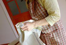 ナチュラルカラーのエプロン(リネン麻) / ナチュラルな雰囲気だったり、アース系、ブラウン系の エプロンを集めました。エプロン リネン ナチュラル系 linen apron natural