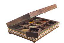 Multipurpose Rectangular Box with Twelve Detachable Compartments (10 X 8 Inch )
