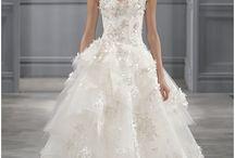 Wedding (A girl's got to dream) / by Elizabeth Mudge