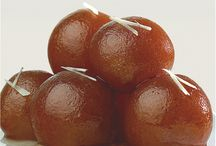 The Great Gulab Jamun / A sweet tooth tickler, the Gulab Jamun is one of the sweets that you just pop in your mouth and eat away till you're satisfied!