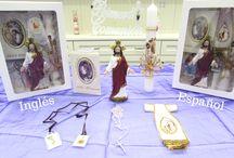Communion Gift Sets/Sets de Regalo para Comunión / Gift sets for First Communions for boys or girls in English or Spanish. Sets de regalo para Primera Comuniónes para niño o niña, en Inglés o Español.