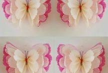 Flores y hojas de papel
