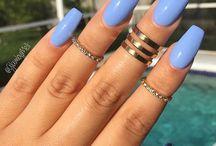 Poppin nails