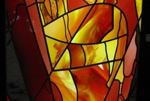 Vlakglaskunst / Glaskunst in het platte vlak, ofwel vlakglas, zoals glas-in-lood, glasfusing, architectuur van het licht, spelen met licht middels glas; stained glass, glass applique; vitraux.