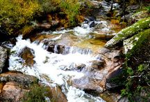 GARGANTA GUALTAMINOS - EL CHARCO DE EL LIBRITO, UN PARAISO EN LA VERA. / El Charco de El Librito es un paraje abrumador por la belleza y los cambios tan espectaculares que se producen en  la naturaleza dependiendo de la época del año.  En invierno, y sobre todo durante el deshielo, el cauce del  río se desborda e invade pozas y rieras, Es un espectáculo magnífico y sobrecogedor. Cuando llega el estío y el caudal desciende, resurgen las formaciones rocosas, reaparecen  los senderos, las rieras y los charcos y el bosque hibernado, abre los ojos y se despereza