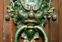 Dveřní klepadla a kliky (Door Knocker)
