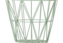Ferm Living / Ferm Living is een Deens designmerk dat prachtige designaccessoires verkoopt. Van het geliefde behang tot aan de vrolijk gekleurde opbergmanden: dé wire baskets. Ken jij de prachtige collectie van Ferm Living al?