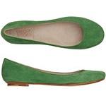 omg...shoes / by Jennifer Risley