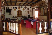 Pelarco / Hotel Cal y Canto Plaza de Pelarco Invita Victor y Juanita