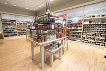 Yankee Candle Co. / Nesting Table, Metal Fixtures and SMARTWALL® Perimeter Wall System